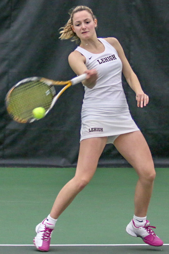 Junior captain Jamie Campisi, a two-time All-Patriot League academic honor roll recipient, won her singles match 6-0, 6-0 over Rider Sunday afternoon at Lehigh's Lewis Tennis Center.