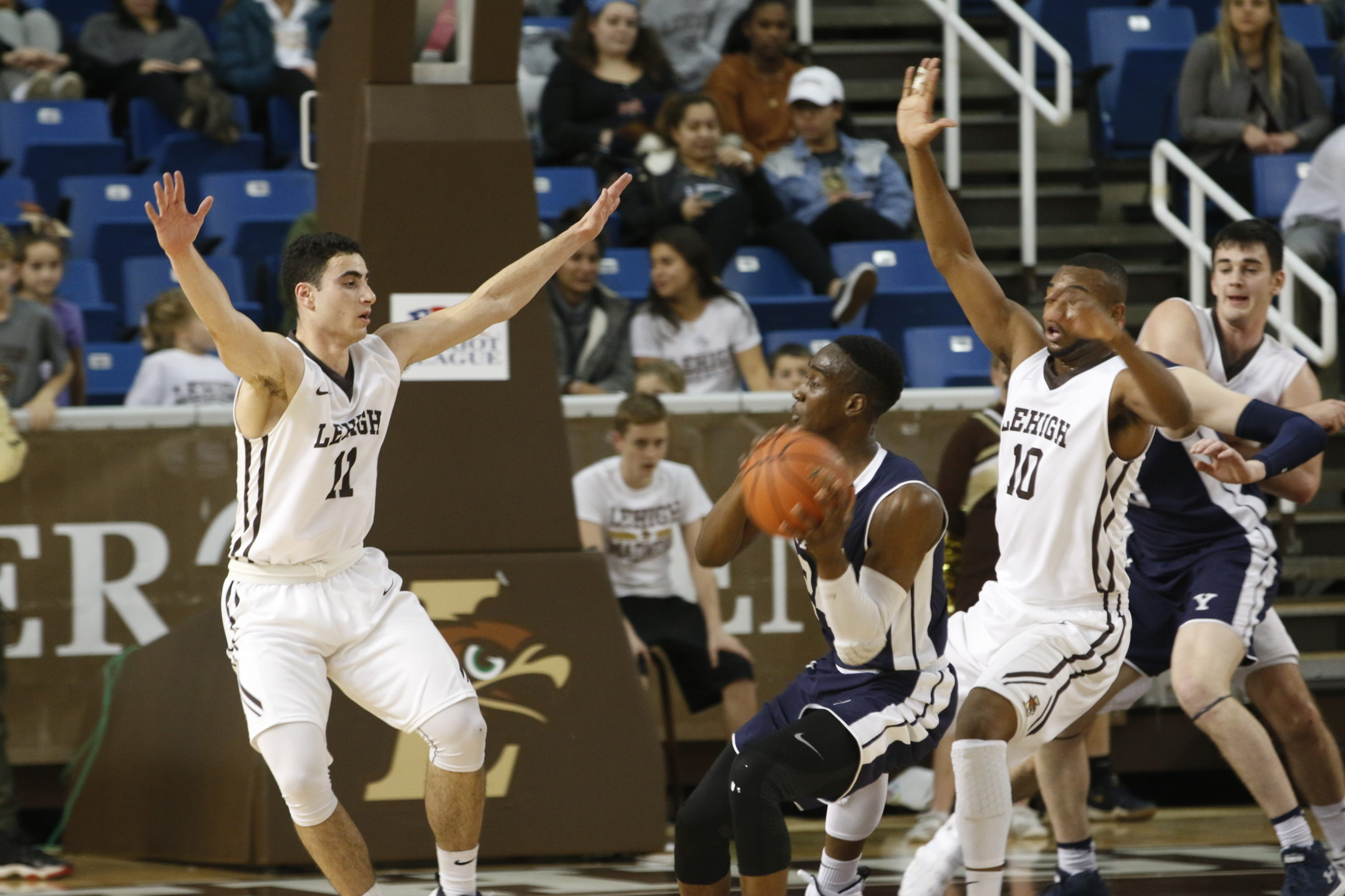 Lehigh sophomores Jordan Cohen and Ed Porter double team Yale forward Miye Oni in their matchup Wednesday, Dec. 6, 2017 at Stabler Arena. Lehigh lost the game, 86-77. (Matt Bonshak/B&W Staff).